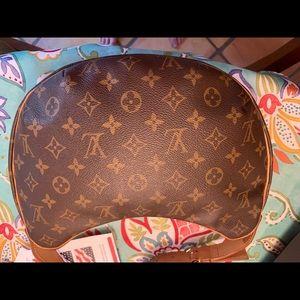 Louis Vuitton Bags - LOUIS VUITTON Monogram Pochette Croissant Bag MM